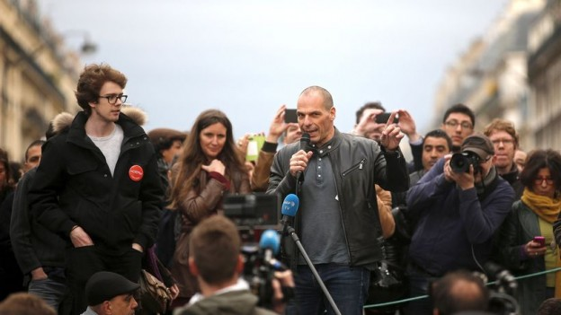 varoufakis-paris-place-de-la-republique